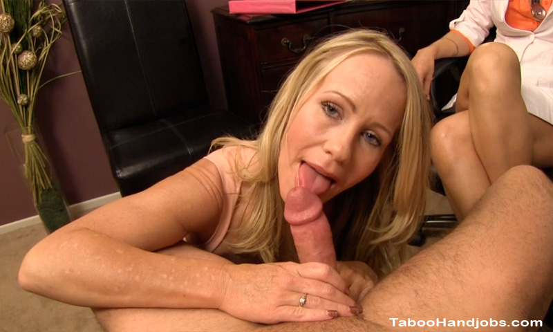 Stepmom simone sonay home alone with son 2